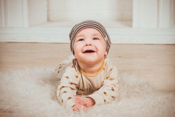 嬰兒的微笑